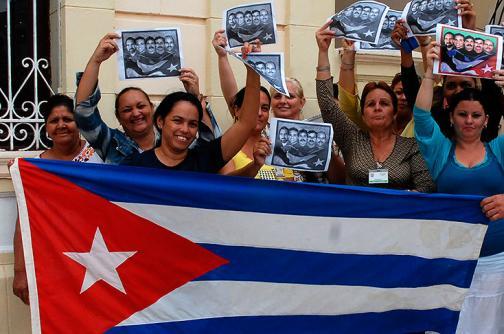 En fotos: Cubanos festejan inicio de relaciones entre Obama y Raúl Castro