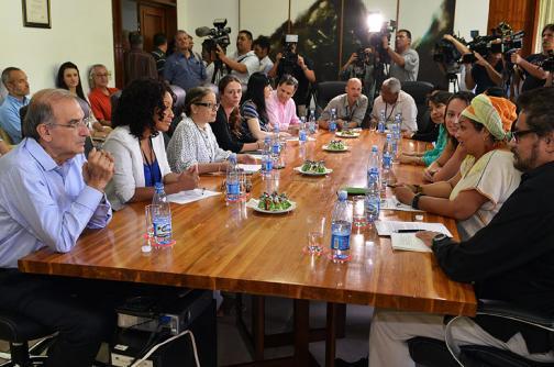 Confianza de los colombianos en los diálogos de paz está 'minada'