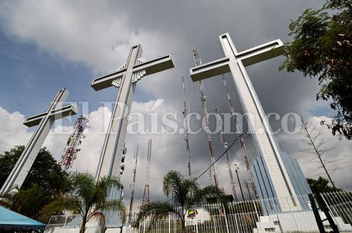 En imágenes: basuras y falta de mantenimiento, los males del monumento de Las Tres Cruces
