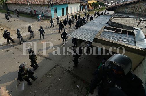 Imágenes: se mantiene tensión en el Cauca por protesta indígena