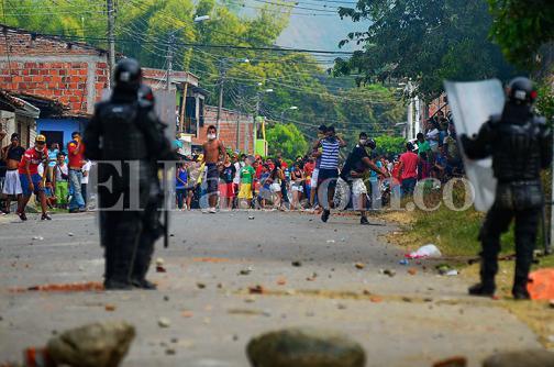Se reanudan enfrentamientos entre indígenas y Fuerza Pública en Corinto, Cauca