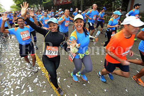Los caleños disfrutaron de la carrera atlética 10K