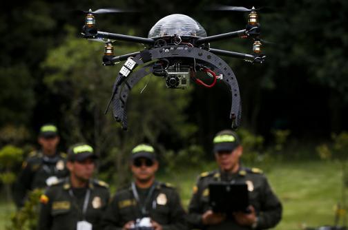 25 robots aéreos son los ángeles de la seguridad en la Semana Santa