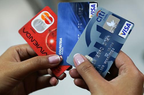 Colombianos suman $20 billones en deudas con tarjetas de crédito