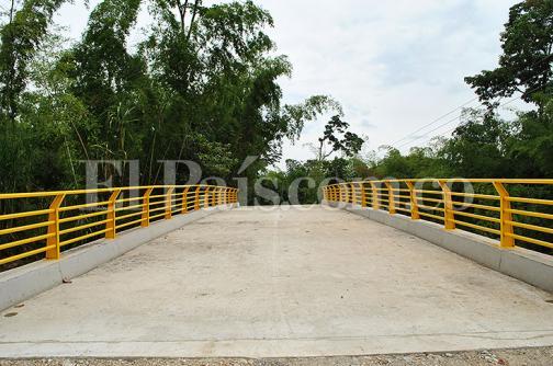 Ejército construyó moderno puente en zona montañosa de Tuluá
