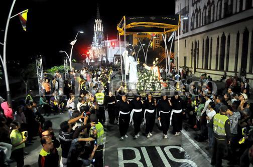 En imágenes: caleños disfrutaron este miércoles de la procesión del 'Perdón, la Reconciliación y la Paz'