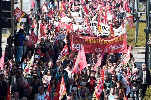 """Manifestaciones en Francia contra las políticas de """"austeridad"""" de François Hollande"""