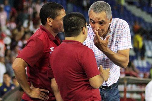 Atlético Junior ratificó a Alexis Mendoza como su director técnico