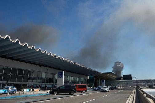 Incendio en el aeropuerto Fiumicino en Roma