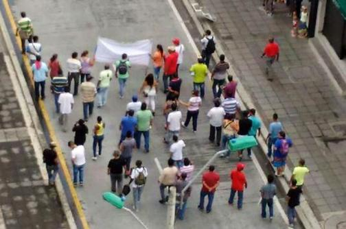 Dos protestas se llevaron a cabo este jueves en el centro y oriente de Cali