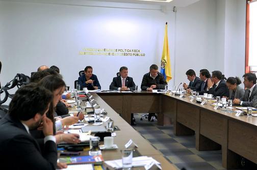 Confis aprueba millonaria inversión para vivienda e infraestructura en el país