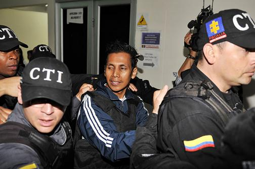 Condenan a 40 meses de cárcel a hacker que interceptó a Francisco Santos