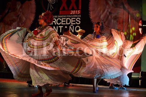 En fotos: color en el cierre del XXI Encuentro de Danzas Folclóricas 'Mercedes Montaño'