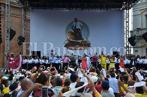 Con homenaje al maestro José Barros,  Palmira celebró el Día de la Independencia
