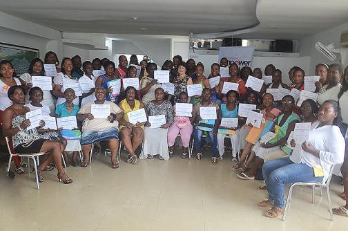 52 mujeres empoderadas culminan capacitación en Buenaventura