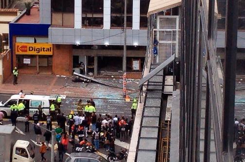 Diez personas heridas dejan dos explosiones en  Bogotá