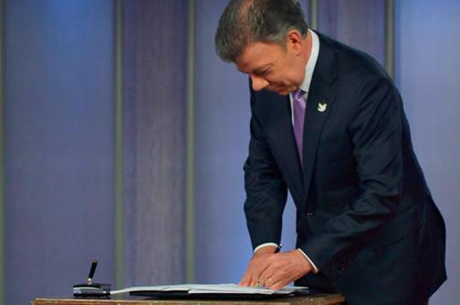 Pese a las críticas, presidente Santos sancionó la Ley Anticontrabando