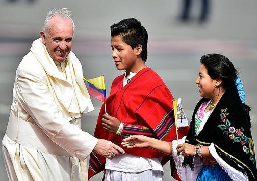 Primeras imágenes de la llegada del papa Francisco a Ecuador
