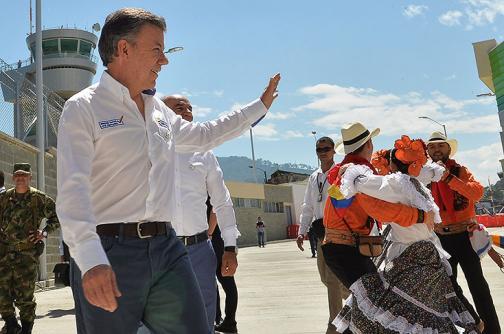 """""""Si Farc no aceptan justicia transicional no hay paz"""": Santos"""