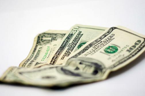 El dólar retrocede en Colombia y se cotiza en $3.172