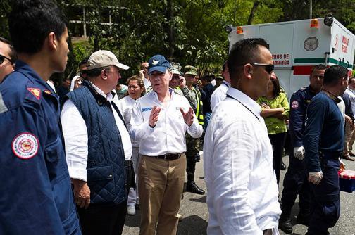 Fuera de peligro periodistas lesionados en accidente mientras acompañaban a Santos