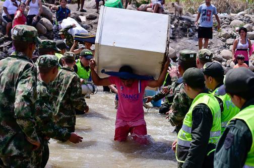 Crece preocupación por violaciones de derechos humanos a colombianos deportados