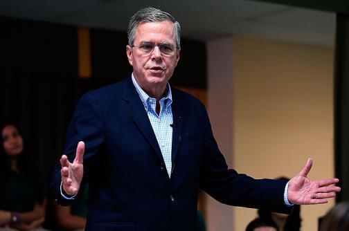 Donald Trump pide a su rival Jeb Bush que deje de hablar español