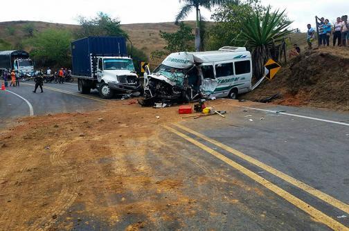 Una mujer murió en accidente de tránsito en la vía Cali - Loboguerrero