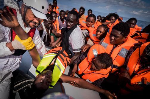 346 inmigrantes fueron rescatados frente a las costas de Libia