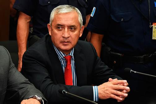 Juez aplaza decisión de enjuiciar o no a Otto Pérez