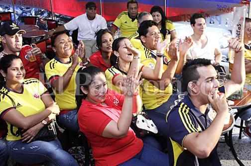 Imágenes: así se gozaron los caleños del triunfo de la selección Colombia ante Perú