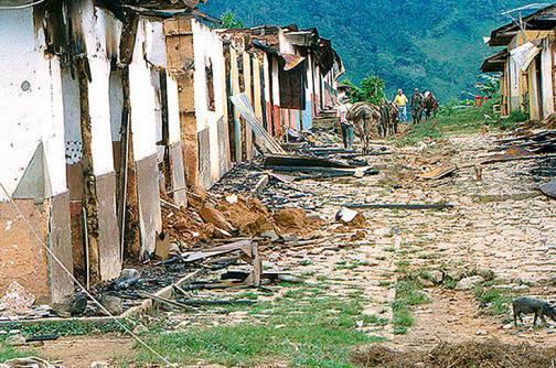 ¿Cómo ocurrió la masacre del Aro, en Antioquia?