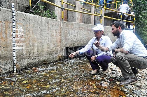 Superservicios revisará plan de contingencia de agua para comunas 18 y 20