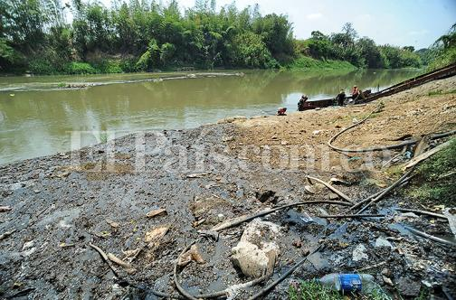 La contaminación, el otro mal del río Cauca en época de sequía