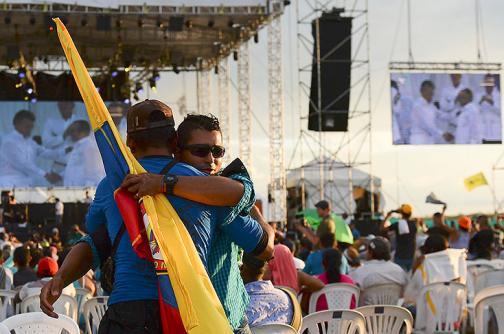 Imágenes: Con abrazos y besos, guerrilleros de las Farc celebraron acuerdo final de paz