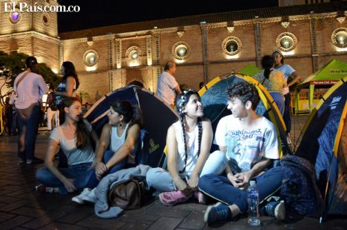 En imágenes: jóvenes acampan por la paz en Plazoleta de San Francisco