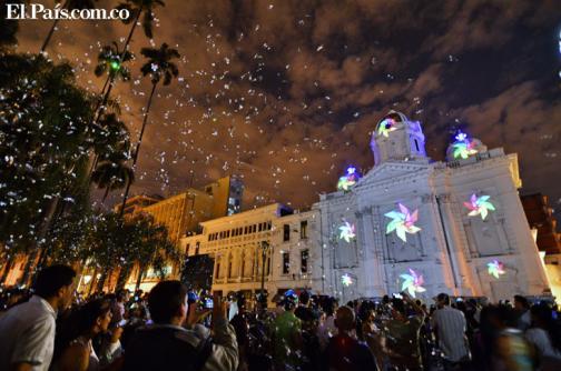 En imágenes: se enciende la navidad, caleños ya disfrutan del alumbrado