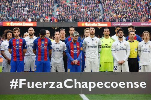 Barcelona y Real Madrid rindieron tributo al Chapecoense con un minuto de silencio