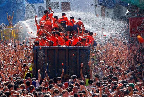 En imágenes: la tradicional 'tomatina' se celebró en Buñol, España