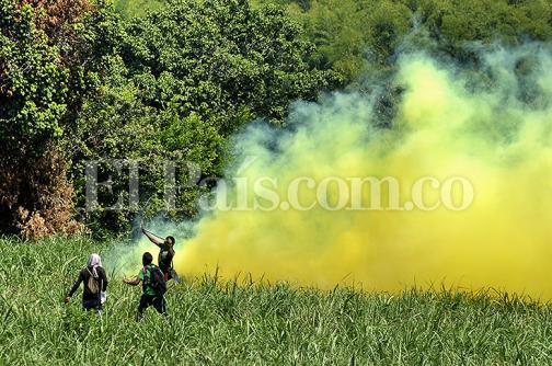 Imágenes: enfrentamientos entre indígenas del Cauca y Esmad ya cumplen dos semanas