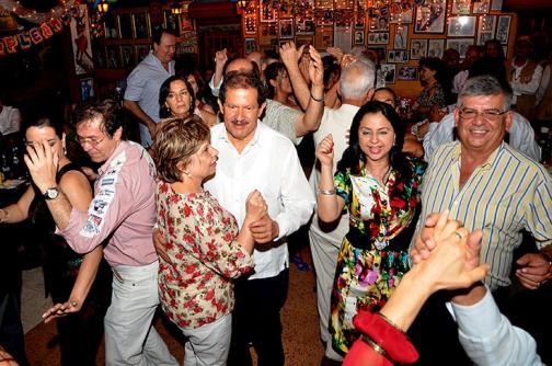 Imágenes: Angelino Garzón también estuvo de rumba en la Feria de Cali - elpais.com.co