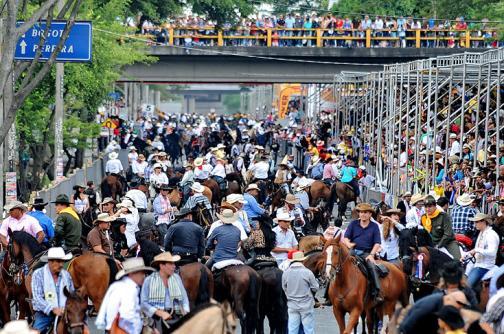 Video: así se vivió la espectacular cabalgata de la 55 Feria de Cali - elpais.com.co