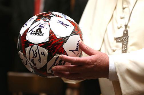 El Bayern de Pep Guardiola fue bendecido por el papa Francisco