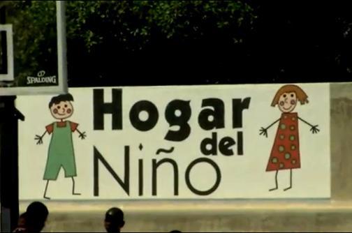 Video: el orfanato que llora a Óscar de la Renta