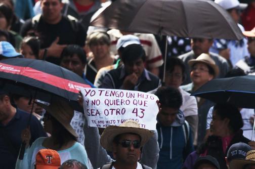 Video: Fiscalía mexicana da por muertos a los 43 estudiantes desaparecidos
