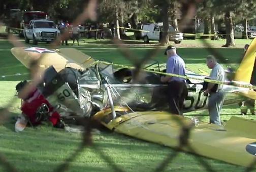 En vídeo: Harrison Ford se recupera tras estrellar su avioneta en un campo de golf