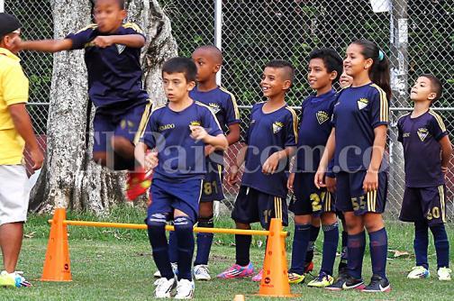 Niños del barrio El Dorado de Cali viajan a España