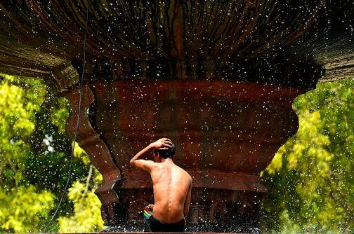 Video: el calor ha matado a más de 800 personas en la India