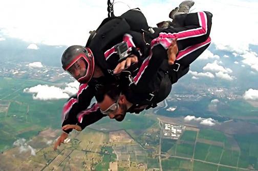 ¿Qué se siente saltar en paracaídas?, El País te muestra esa experiencia