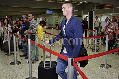 Rafael Santos Borré viajó para firmar con Atlético de Madrid